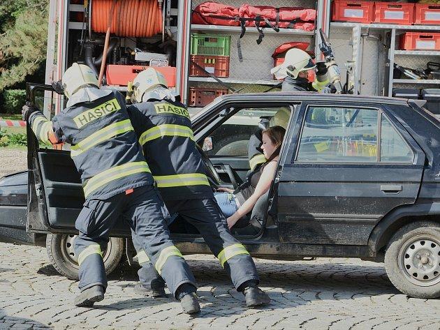 Profesionální hasiči v Dobříši pomáhají už čtyřicet let.