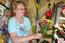 Marie Rousová při práci, která je pro ni koníčkem.