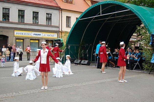 Vystoupení mažoretek z loňského festivalu.