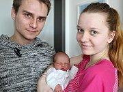 VIKTORIE HRUŠOVÁ se narodila v pondělí 13. března o váze 3,90 kg a míře 49 cm rodičům Elišce a Jindřichovi z Nepomuku.
