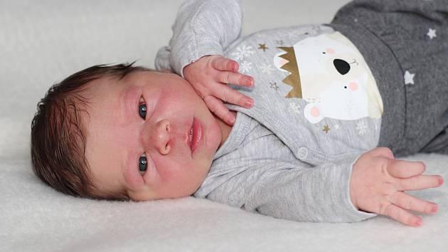 Laura Machová se narodila 5. dubna 2019 s váhou 3,7 kg a mírou 51 cm Janě a Radkovi z Dobříše. Doma čeká Dominik (2,5).