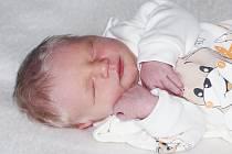 Oldřich Berka se narodil 28. listopadu 2019 v Příbrami. Vážil 3230 g a měřil 50 cm. Doma v Rožmitále pod Třemšínem syna přivítala maminka Linda.