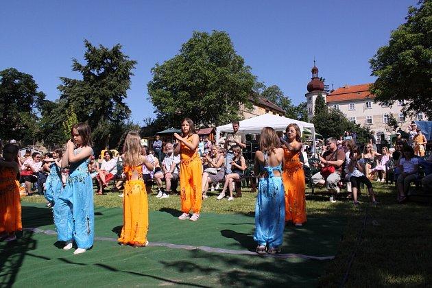 Zahradní slavnost v Bukovanech.