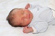Mikuláš Kaiser se narodil 23. října s váhou 2,97 kg a mírou 49 cm Martině a Miroslavovi z Obor. Doma se na brášku těší Laura (7).
