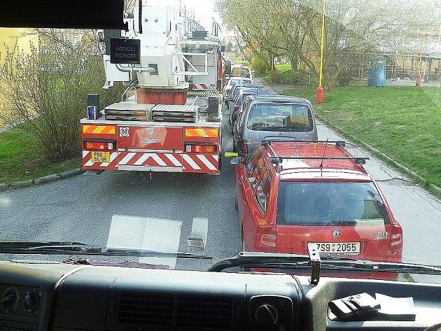Hasiči kontrolovali průjezdnost silnic pro svoji techniku.
