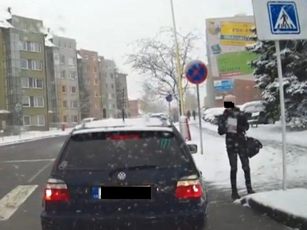 Policie hledá svědky z Milínské ulice v Příbrami.