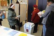 V Příbrami je o první kolo prezidentských voleb zhruba stejný zájem jako o podzimní volby do parlamentu.