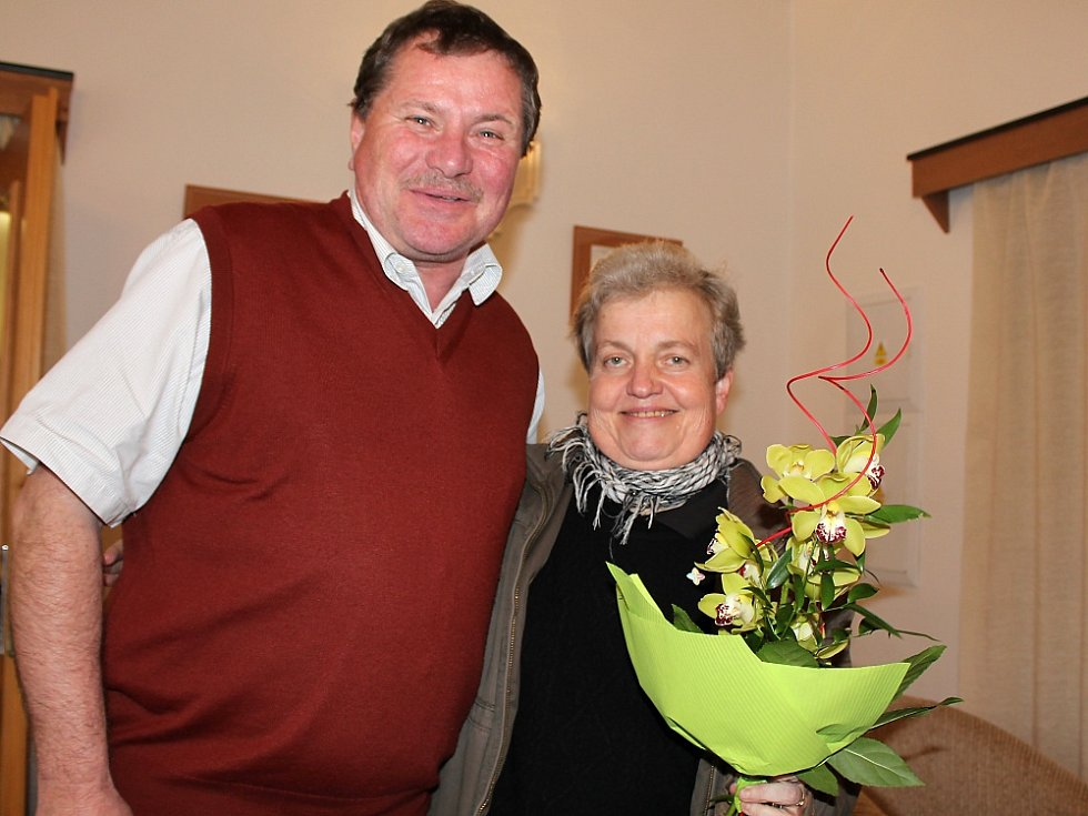 Dana Drábová na návštěvě v Milíně na radnici se starostou Pavlem Neklem.