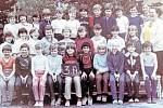 Žáci třídy 3.A z 1. Základní školy v Dobříši ve školním roce 1984/1985.