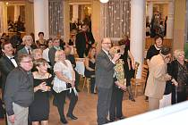 Ples v pátek 9. března od 16 hodin v Estrádním sále Kulturního domu Příbram moderoval Marcel Forejt, nechyběla tombola a dobrá zábava. Od 16 hodin vystoupil dvojník Waldemara Matušky Vladimír Walda Nerušil s kapelou.