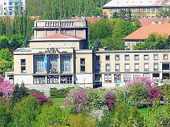 Divadlo Antonína Dvořáka v Příbrami jako stánek kulturních akcí.