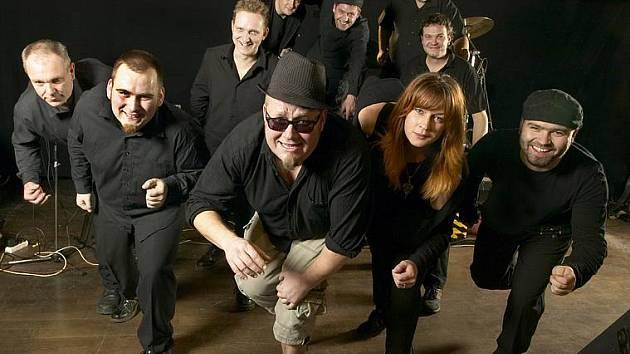 Na Rockfestu Březnice vystoupí i populární ska kapela Sto zvířat