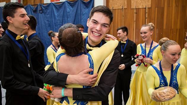 Dobříšští tanečníci na regionálním kole Festivalu tanečního mládí v Praze.