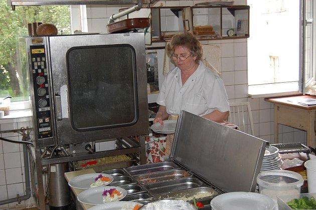 V kuchyních je hotové peklo