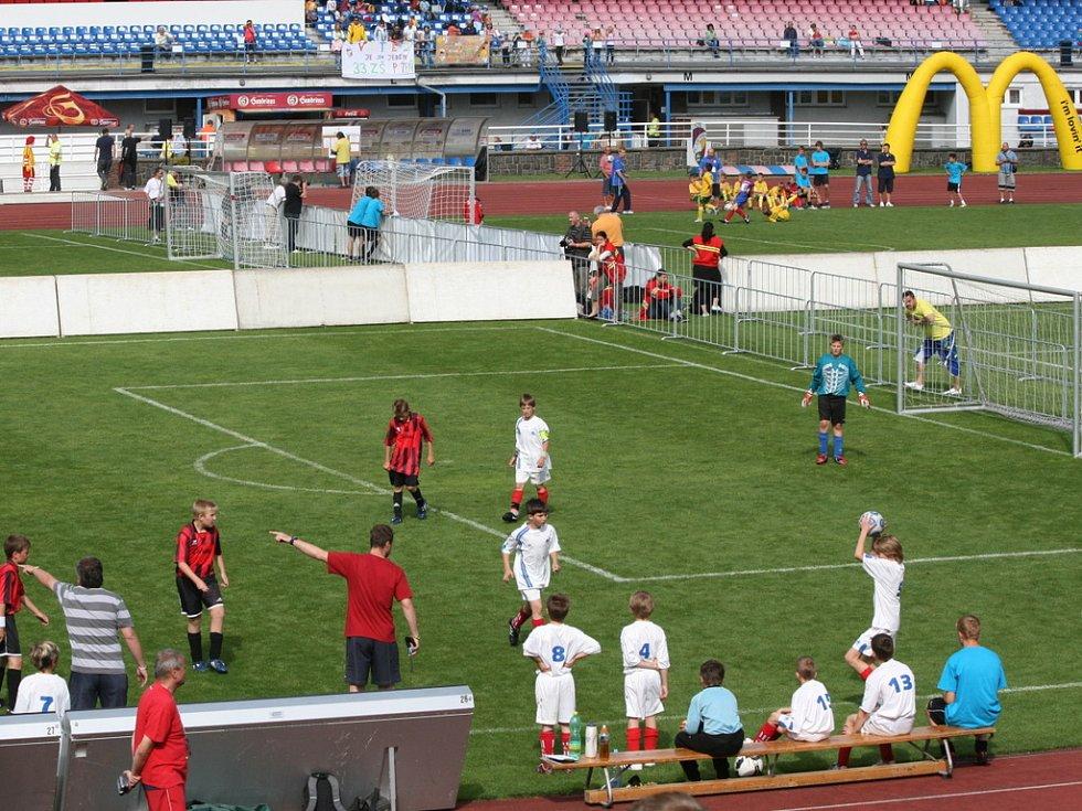Republikové finále 12. ročníku McDonald´s Cupu. Hrálo se na čtyřech hřištích.