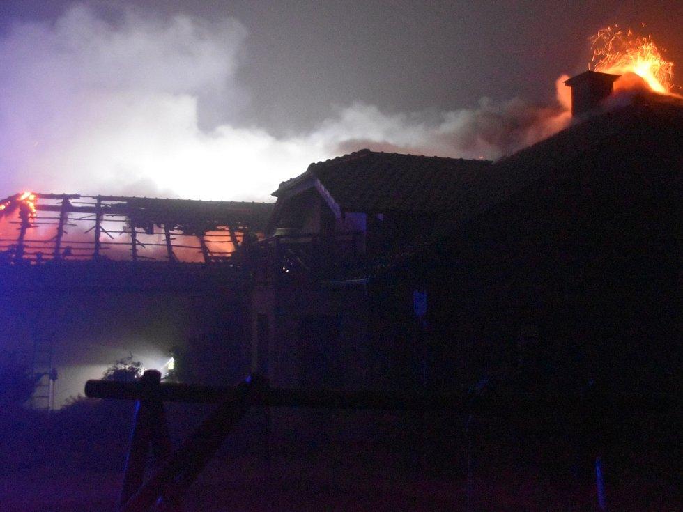 Požár rodinného domu v příbramském Orlově.