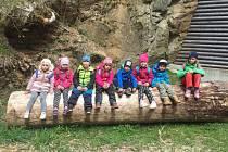 Na přelomu dubna a května vyjely děti z tochovické mateřinky na školku v přírodě.