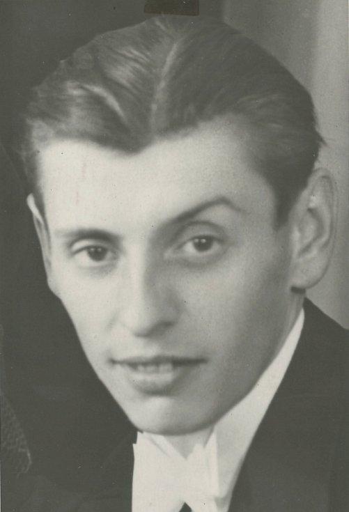 Josef Molcar z Příbrami padl 11. 5. 1945 u Buku.
