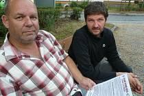 PŘEDSEDA Autoklubu RAC Sedlčany Miroslav Dvořák (vlevo) a prezident Veterán klubu Sedlčany Pavel Chýle na akci úzce spolupracují. Průběžně se informují o novinkách. Potvrdili, že na přípravách má i nemalý podíl legendární jezdec Antonín Baborovský.