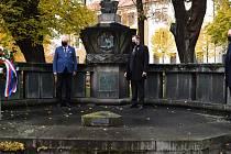 Pietní akt u příležitosti 102. výročí založení republiky se v Příbrami konal v komorním duchu.