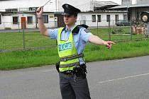 Policejní hlídky namátkově kontrolovaly řidiče na všech sjezdech z rychlostní silnice a byly jako záloha pro případy, kdyby se pokusili řidiči ujíždět passatům. Jedna z hlídek stála také na příjezdu do Dobříše.