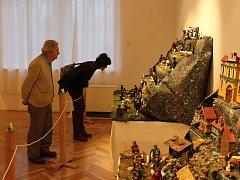 Na výstavě je k vidění přes dvacet betlémů.