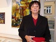 Na cestu padesátiletou výtvarnou tvorbou zve návštěvníky do sedlčanského muzea autorka obrazů Miroslava Nováková.