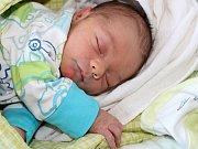 Petr Paclt se narodil 21. listopadu s váhou 2,96 a mírou 48 cm Anetě a Tomášovi z Tochovic. Doma se na brášku těší sestřička Natálka (12).