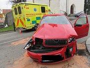 Řidička v Sedlčanech nedala přednost sanitce jedoucí pro pacienta.