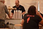 Ve 14 hodin se všem návštěvníkům otevřely brány pivovaru ve Vysokém Chlumci.