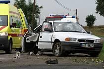 Při dopravní nehodě mezi obcemi Čím a Korkyně zemřela těhotná žena, sedmileté dítě transportoval vrtulník do Prahy
