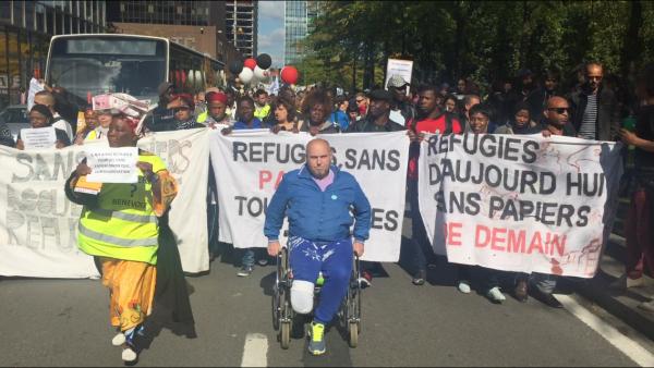 Alena Machová a její snímky zpobytu vBruselu. Pochod za uprchlíky.
