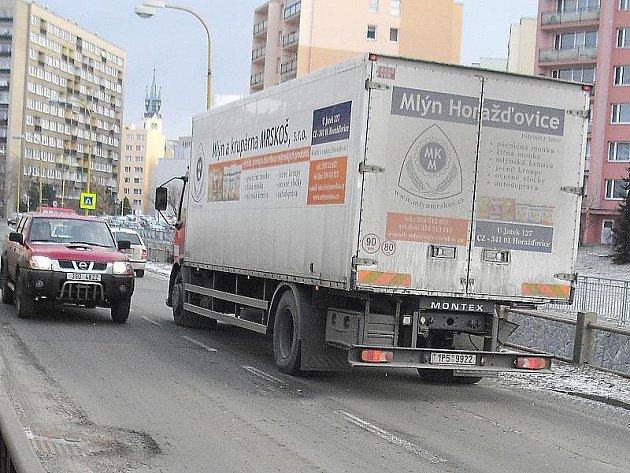 Mezi nejhorší úseky v Příbrami patří Březnická ulice.