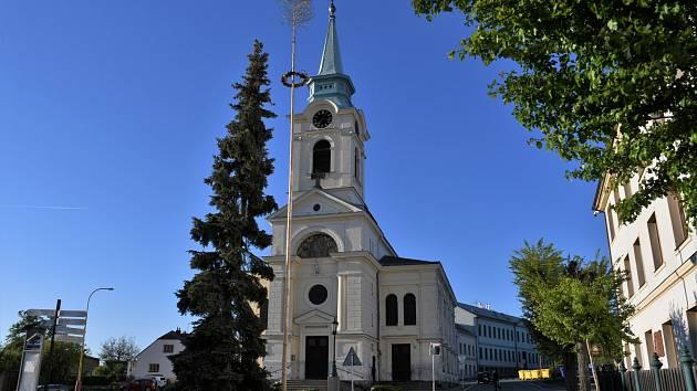 Kostel sv. Vojtěcha na náměstí J. A. Alise na Březovách Horách v Příbrami.