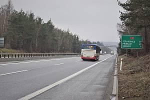 Plánovaná oprava mostního závěru dálničního mostu na D4 ve směru na Příbram za MÚK EXIT 24 Voznice.