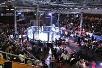 Diváky galavečer MMA rozhodně nezklamal, viděli čtrnáct atraktivních duelů.
