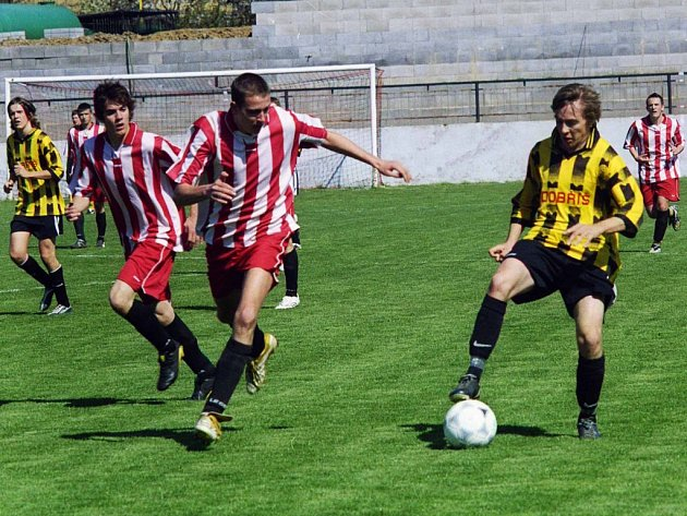 V krajském přeboru dorostu se hrálo okresní derby Spartak - Dobříš.