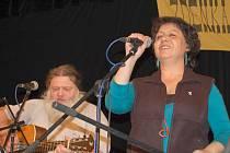 Jana Hejkrlíková si sama ráda zazpívá na Huntíku,