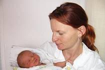 Ve čtvrtek 26. listopadu si maminka Martina a tatínek Petr z Příbrami poprvé pochovali synka Jakuba Čapka, který v ten den vážil 3,38 kg a měřil 50 cm. Klukovský svět mu bude ukazovat sedmiletý bráška Vojta.