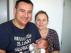 V neděli 4. ledna maminka Renata a tatínek Milan z Příbrami poprvé sevřeli v náručí prvorozeného syna Filípka Buchtu, který v ten den vážil 3,71 kg a měřil 50 cm.