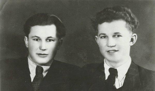 Synové Richarda Štěpána, Jiří a Vladimír, byli umučeni nacistickými vojáky vKojetínském lese dne 11.5.1945.