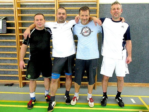 Vítěz 17. ročníku nohejbalového Satelitu seniorů – Střelnice Příbram (zleva): Josef Procházka, Jaroslav Khun, Ludvík Hubáček a Petr Hipča.