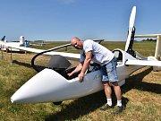 Soutěže v bezmotorovém létání spočívají v plnění úloh vyhlášených pořadatelem.