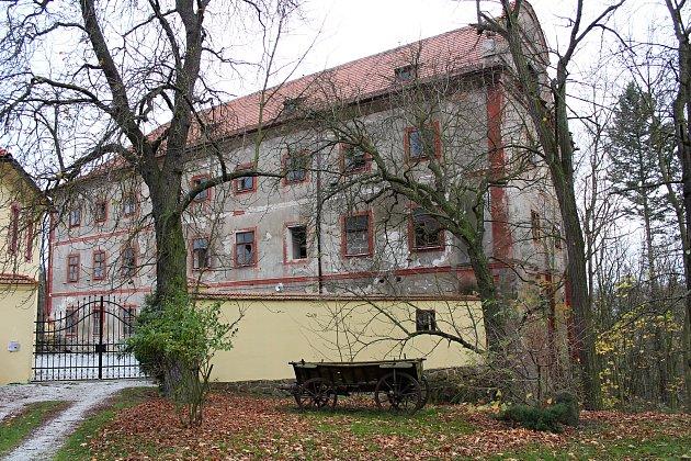 Dobříšský hrad Vargač je k prodeji, jedná se o památkově chráněnou historickou památku.