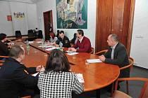 Pracovní skupina projednávala Městský program prevence kriminality na rok 2013.