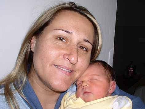 V neděli 21. října přivítala maminka Michaela spolu s tatínkem Danielem z Kotenčic na světě své první štěstíčko – dcerku Danielku Horkou, které sestřičky v porodnici po narození navážily 3,71 kg a naměřily 51 cm.