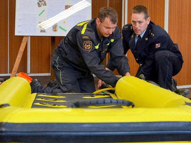 Při záchraně životů využijí příbramští hasiči také saně