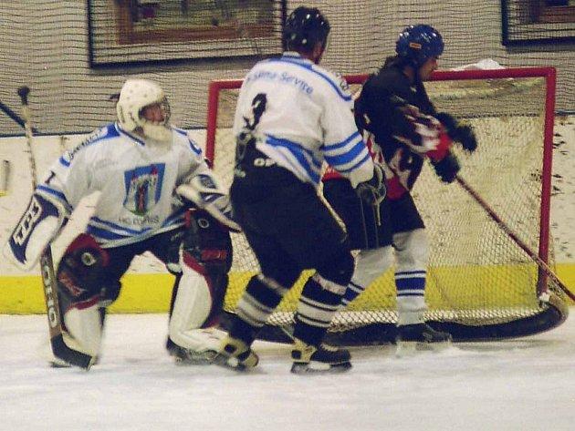 V okresním přeboru hokejistů se hrál jediný zápas.