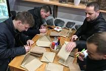 Pomáhat se rozhodli dva kamarádi ze Spartaku Příbram. Vytvářejí charitativní akce, v rámci kterých budou podporovat občany z Příbrami a okolí v těžkých životních situacích.