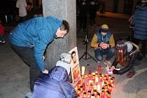 Kolem stovky lidí si v centrum Příbrami v sobotu 19. ledna připomnělo 50. výročí úmartí Jana Palacha.